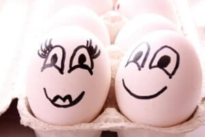 2 eggs with funny drawn faces